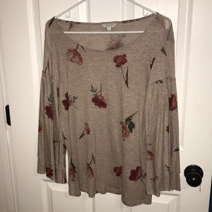 🌸NWOT Grey floral Size M blouse! Lucky Brand!🌸